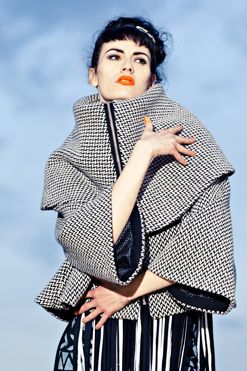 Fashion Nassrin Eder, Model Loca Charisma 13