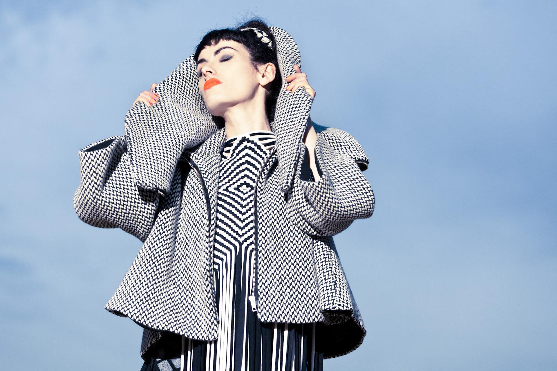Fashion Nassrin Eder, Model Loca Charisma 15