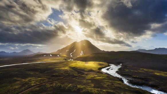 ISLAND SAGA I